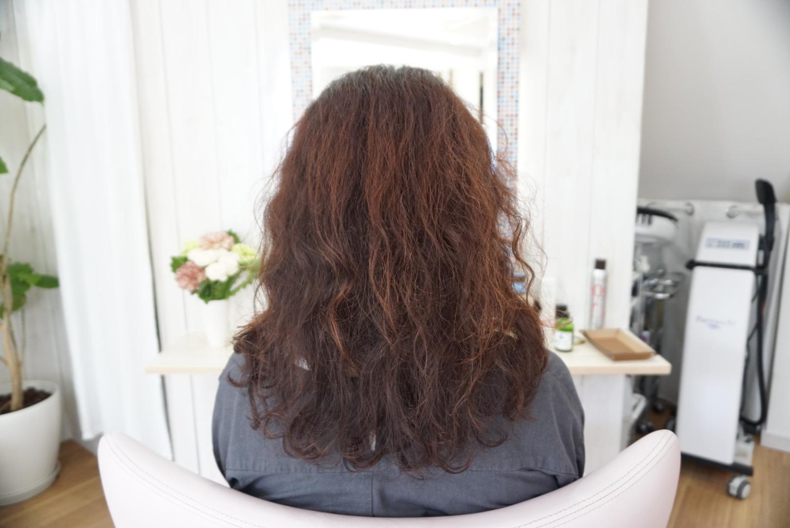 女性の髪の毛