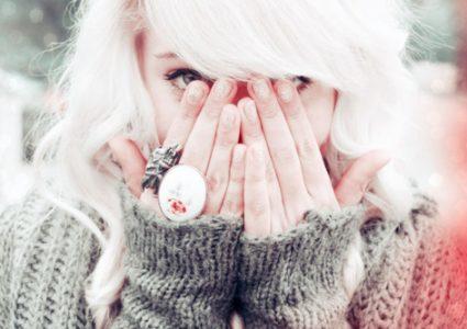 3分でわかる『白髪』の原因と予防策!現役美容師が徹底解説