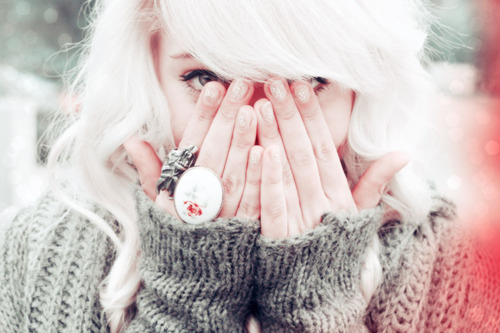 beautiful-fashion-girl-photography-ring-white-hair-Favim.com-81430_large